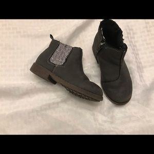 Toddler ankle boots size 8